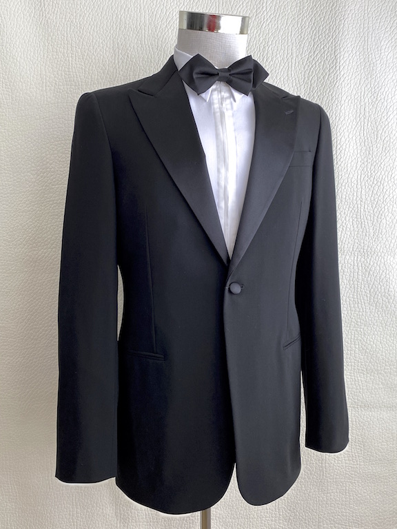 Giorgio Armani Slim Black Tuxedo One Button